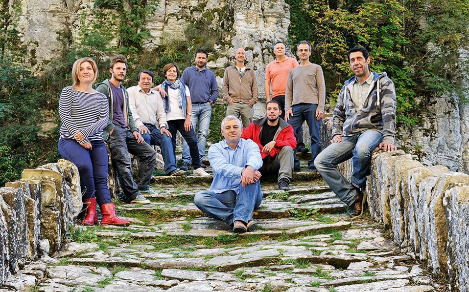 Χτίζοντας μια γέφυρα συνεργασίας μεταξύ τους, τα μέλη του ΖΕΝ έχουν απώτερο στόχο τη διαδικτύωση και με άλλους κοντινούς προορισμούς, όπως είναι η Ηγουμενίτσα και τα Μετέωρα (Φωτογραφία: Βαγγέλης Ζαβός),