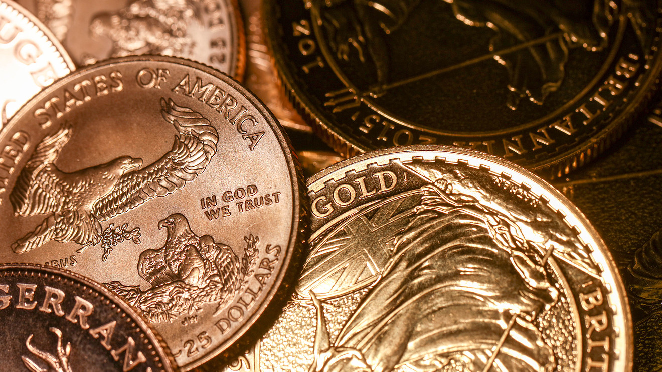 gold rallies back to