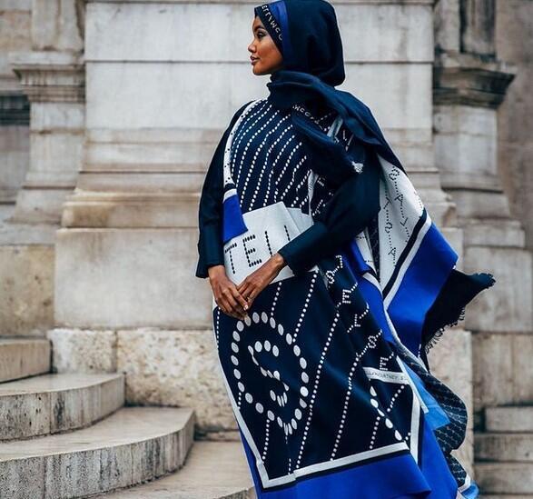 عارضة الأزياء الصومالية الأمريكية حليمة عدن
