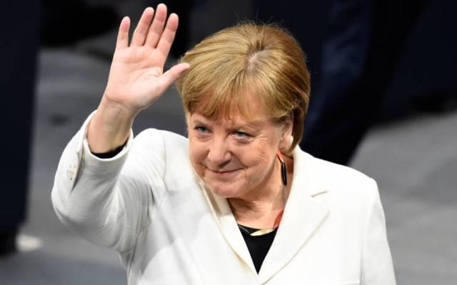 Μέρκελ: Έχω δεχθεί τόσες ύβρεις στην Ελλάδα, ακόμα κι εκεί τα πράγματα βελτιώνονται
