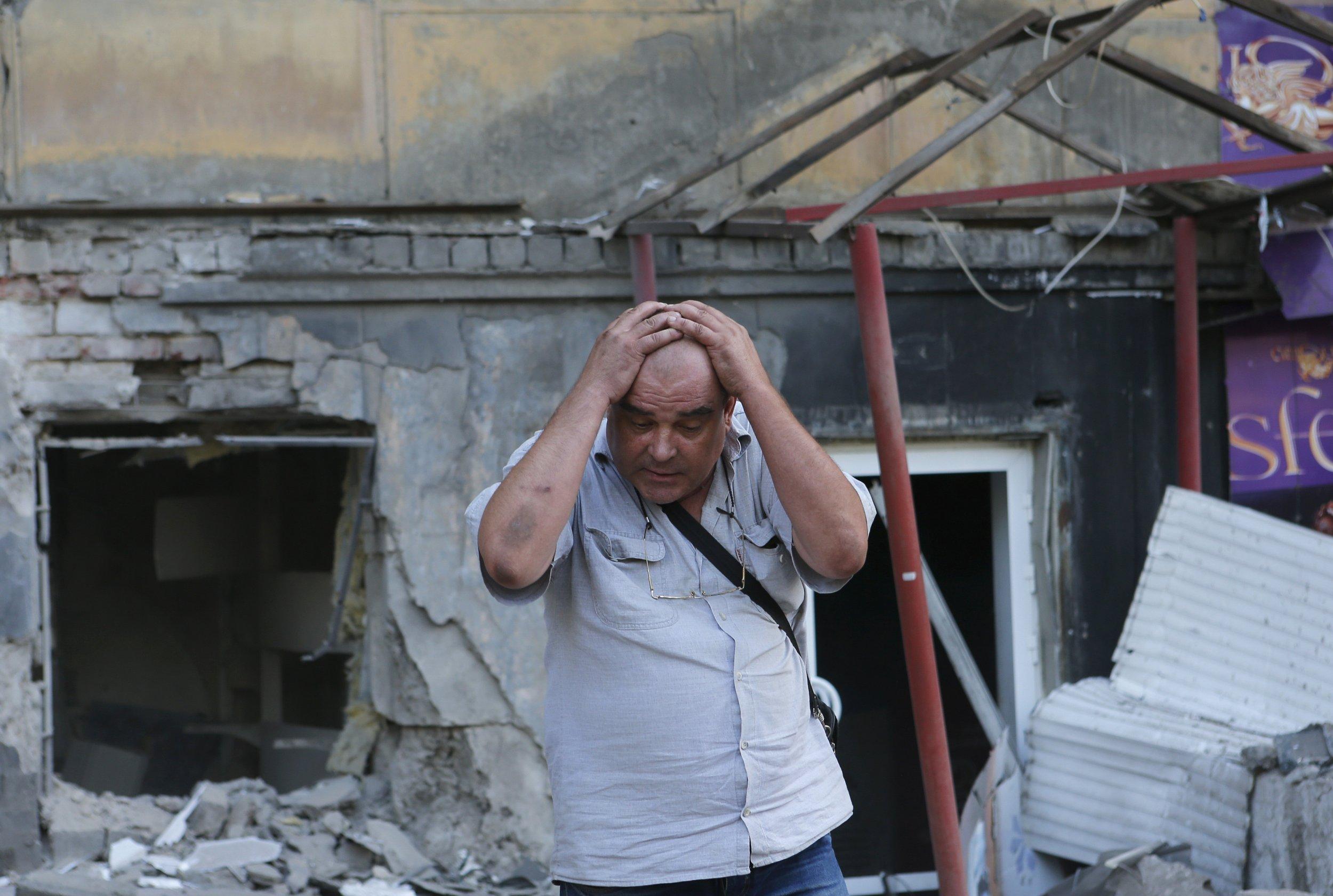 Dozens Die in Ukraine in Street Battles Donetsk Shelling