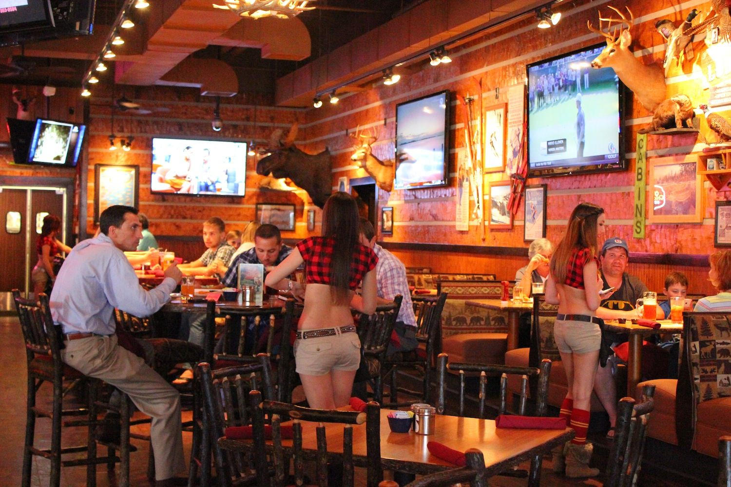 Behind the Appeal of the Twin Peaks Breastaurant Site