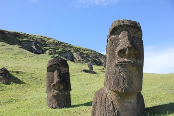 Easter Island' Ancient Society Collapsed In Ways Previously Thought