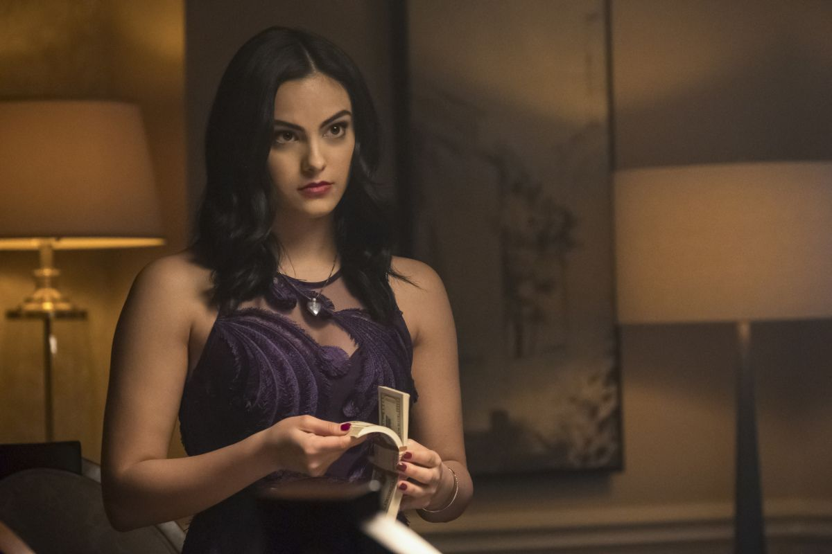 Riverdales Camila Mendes on Veronica Lodge Being a