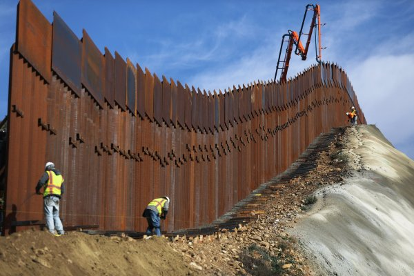 Gofundme Refunding Donors Money Border Wall Campaign