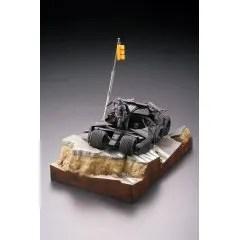 LEGACY OF REVOLTECH LR-054 THE DARK KNIGHT RISES: THE BATMOBILE TUMBLER IN GOTHAM CITY Kaiyodo