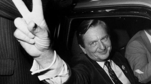 El primer ministro sueco Olof Palme fue asesinado el 28 de febrero de 1986, cuando regresaba caminando a su casa en Estocolmo en compañía de su esposa tras salir de un cine