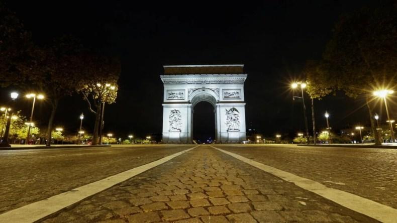 فرانسه از نخستین ساعت بامداد امروز، جمعه ٣٠ اکتبر/ ٩ آبان، قرنطینۀ یک ماهۀ خود را آغاز کرد.