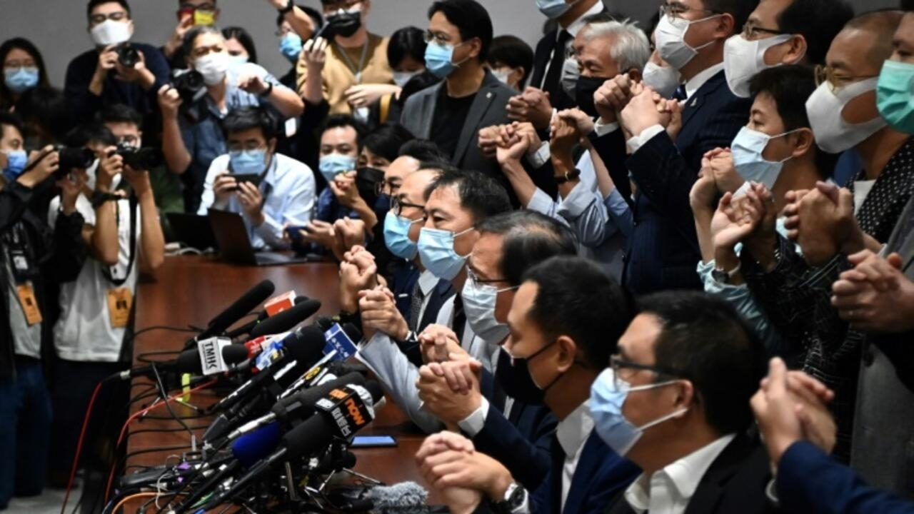 香港議員遭驅逐 美英等5國控中國違反承諾 – 法國國際廣播電臺 - RFI
