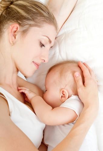 Резултат с изображение за майки с бебета