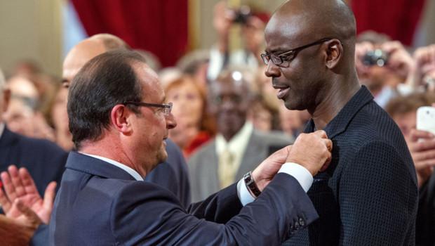 Lilian Thuram élevé au grade d'Officier de la Légion d'honneur par François Hollande le 17 septembre 2013