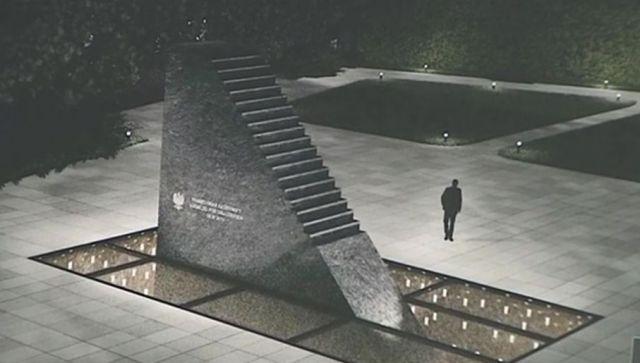 Znalezione obrazy dla zapytania pomnik smolenski zdjecia