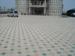連鎖地磚 / 適用於停車場、車道、人行道、公園步道、廣場、學校、文化中心、觀光景點等。特性:1.施工簡便 ...