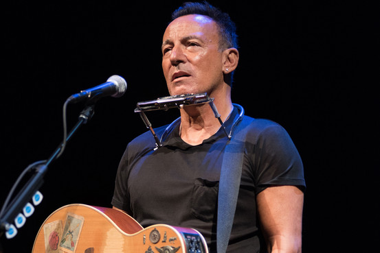 The Boss on Broadway – WSJ BN VO064 BRUCE1 G 20171011182038