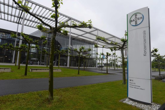 Bayer to Sell Assets to BASF for $7 Billion Amid Scrutiny of Monsanto Megadeal BN VO749 2BE1V G 20171013031751