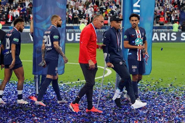 Everyone is worried': Mbappe limps out of French Cup final after ...