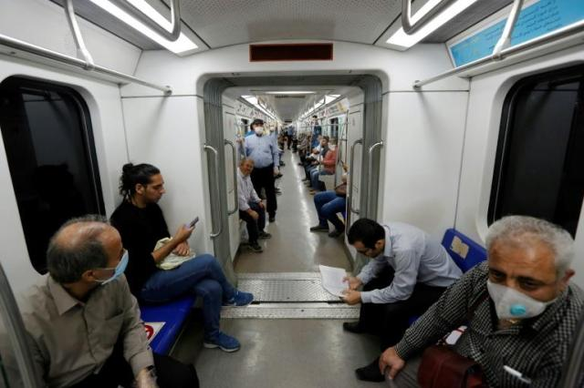 Despite government appeals for Iranians to wear masks on public transport, by no means everyone does so