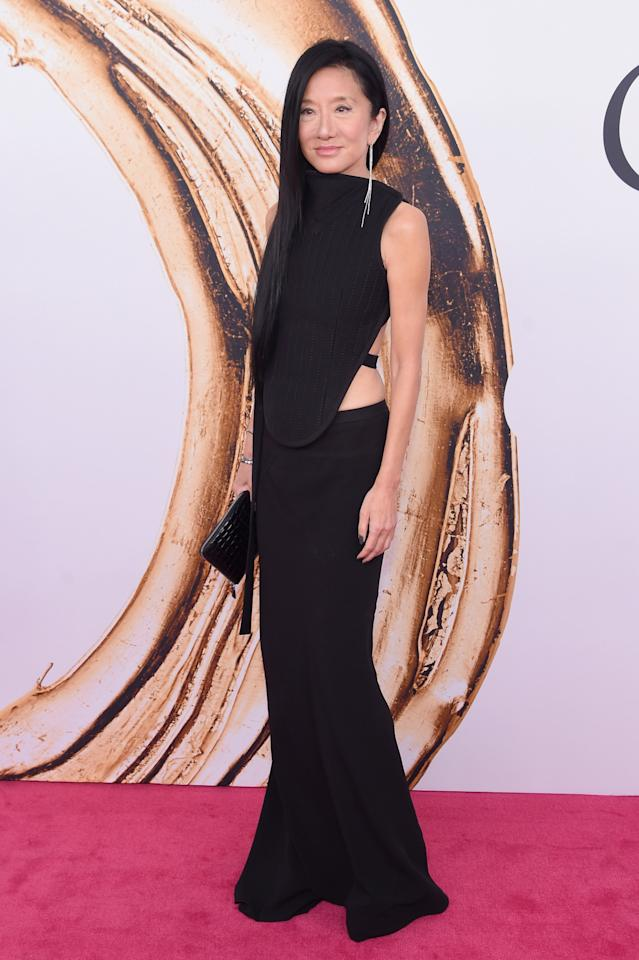<p>Vera Wang's look is sophisticated in the front with a party in the back. <i>(Photo: Getty Images)</i><br /></p>