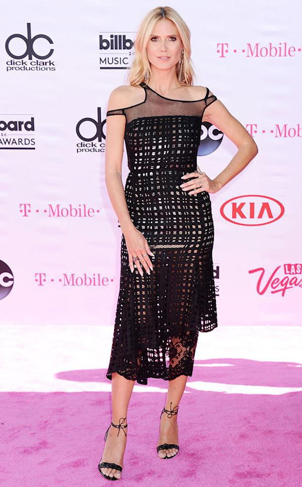 <p>Presenter Klum kept her look low-key and gorgeous, with a simple black dress and easy breezy hair and makeup.<i><b><br /></b></i></p><p><i>(Photo: Broadimage/REX/Shutterstock)</i></p>