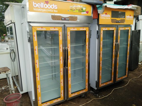 Upright Stainless Glassdoor Freezer 2 Pintu (Bekas)