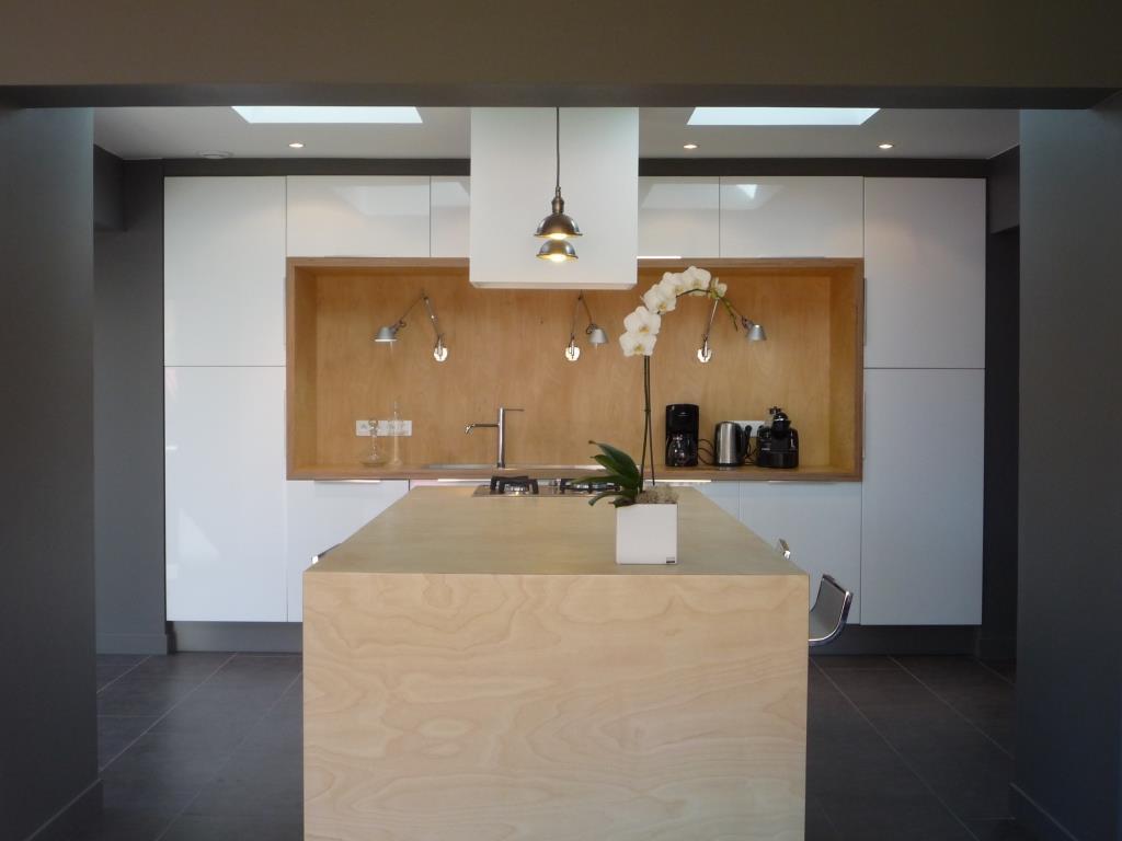 niche murale pour salon decoration niche murale bois. Black Bedroom Furniture Sets. Home Design Ideas