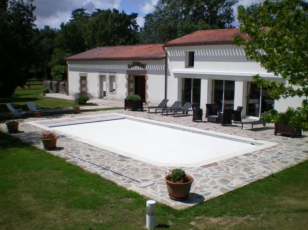 Jardin avec terrasse et piscine AR PAYSAGE photo n26