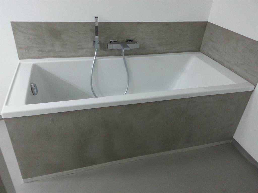 image habillage baignoire beton cire atelier des sols