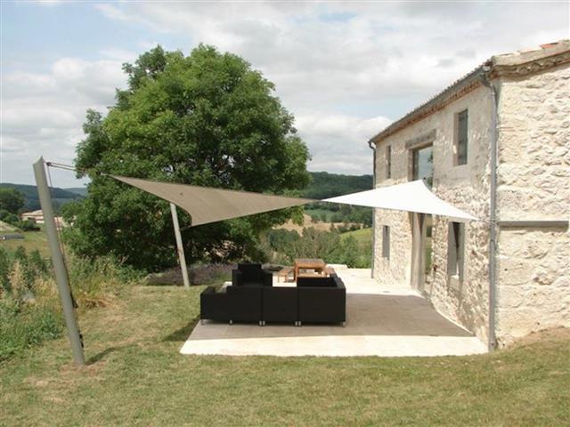 Maison en pierre avec terrasse Tension Suspension photo n03