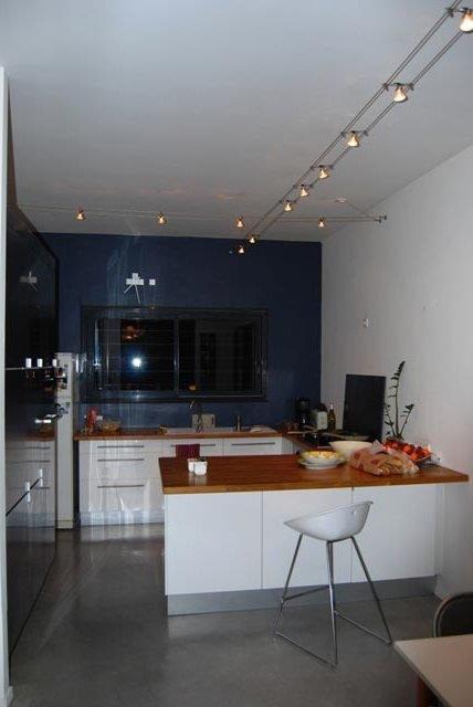 Cuisine blanche et mur gris best emejing cuisine blanche for Mur rouge cuisine blanche