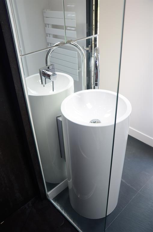 comme un spa avec ce lavabo colonne d