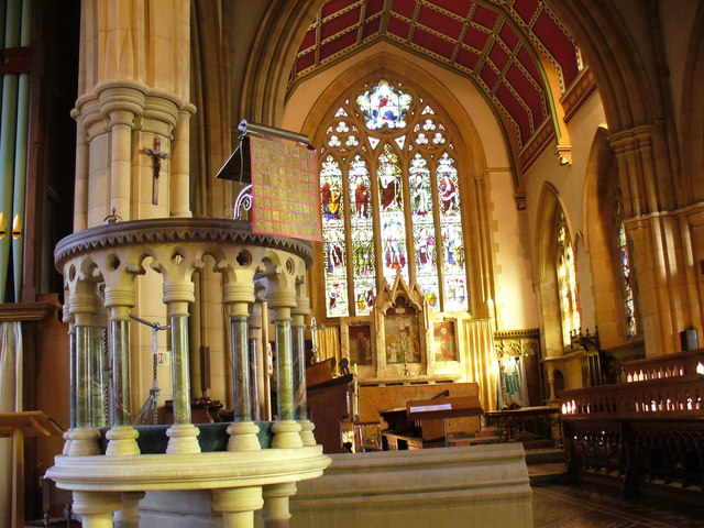 Inside Marlow Parish Church  Colin Smith ccbysa20  Geograph Britain and Ireland