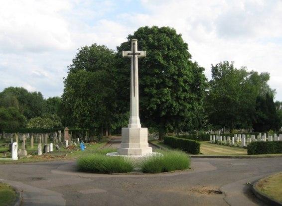 St Albans: Hatfield Road Cemetery War Memorial