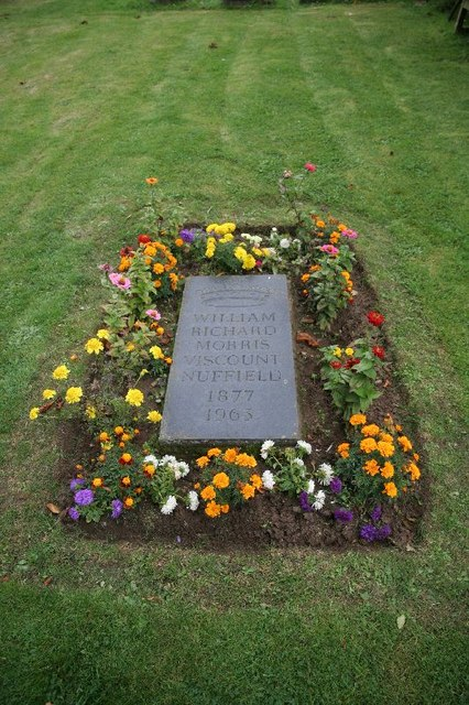 Flowers round the grave  Bill Nicholls ccbysa20  Geograph Britain and Ireland
