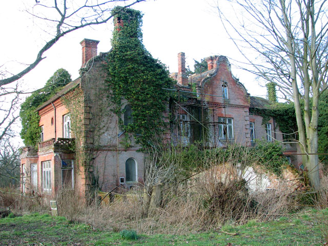 Bessingham Manor  Evelyn Simak  Geograph Britain and