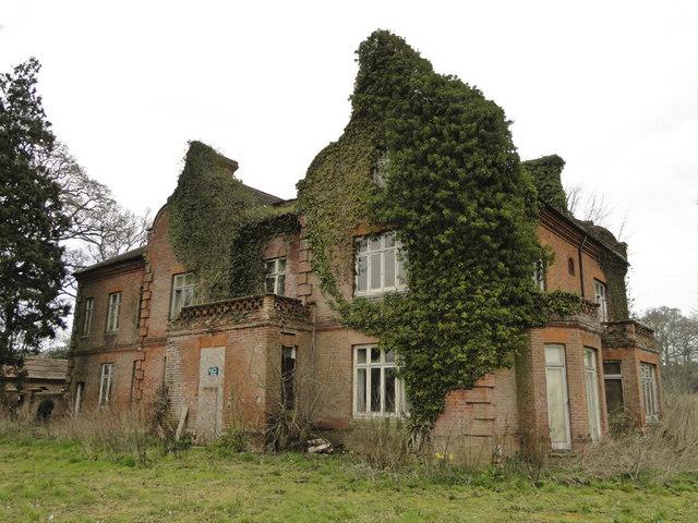 Bessingham Manor  Adrian S Pye ccbysa20  Geograph