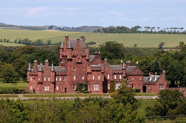 Ayton Castle wide shot