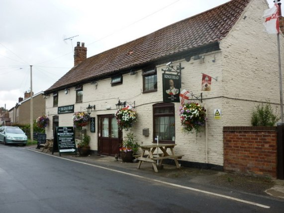 The Kings Head, Barmby on the Marsh © Ian S cc-by-sa/2.0