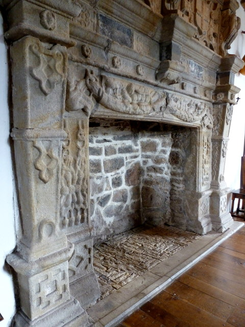 Fireplace In Donegal Castle 169 Louise Price Cc By Sa 2 0