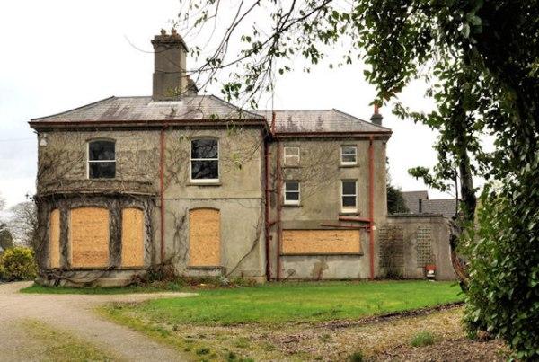 Vacant house Holywood 1 Albert Bridge ccbysa20