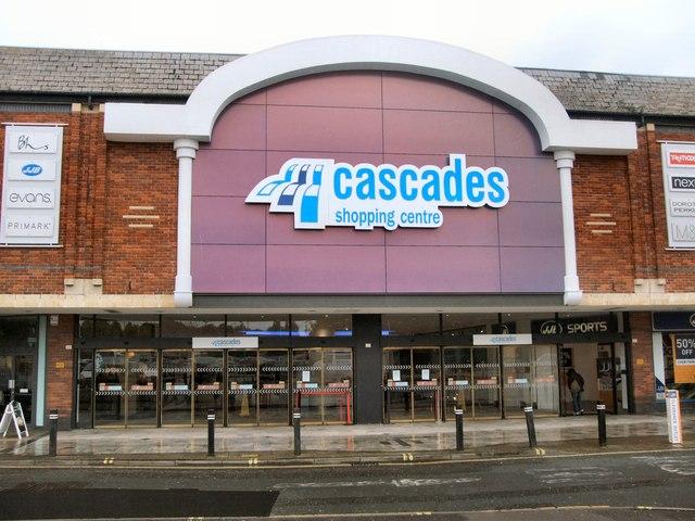 Cascades Shopping Centre 169 Paul Gillett Cc By Sa 2 0