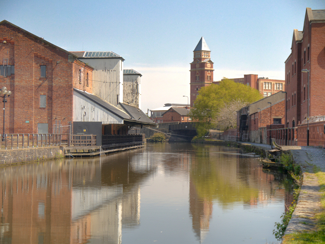 Leeds and Liverpool Canal Wigan Pier  David Dixon ccby