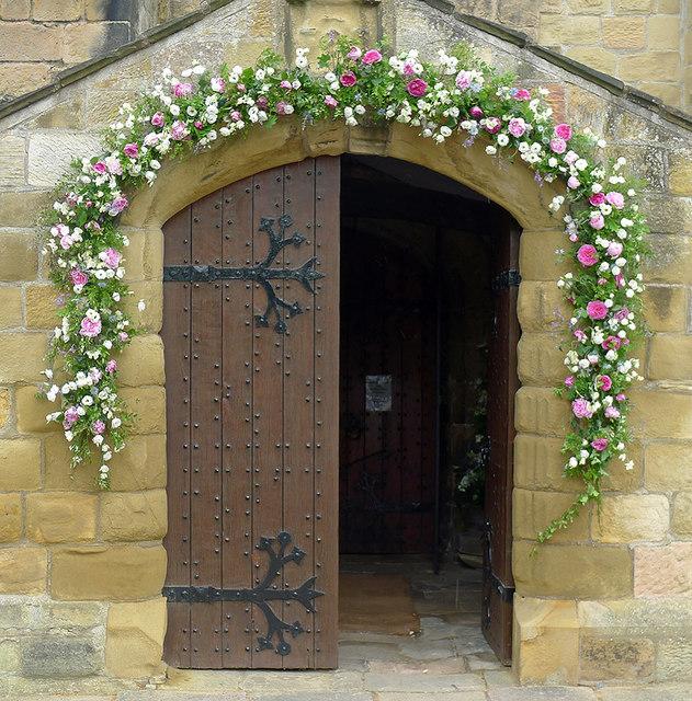 Wedding flowers at the entrance to  Julian Paren