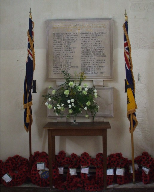 Avening War Memorial, Gloucestershire © Alf Beard cc-by-sa/2.0