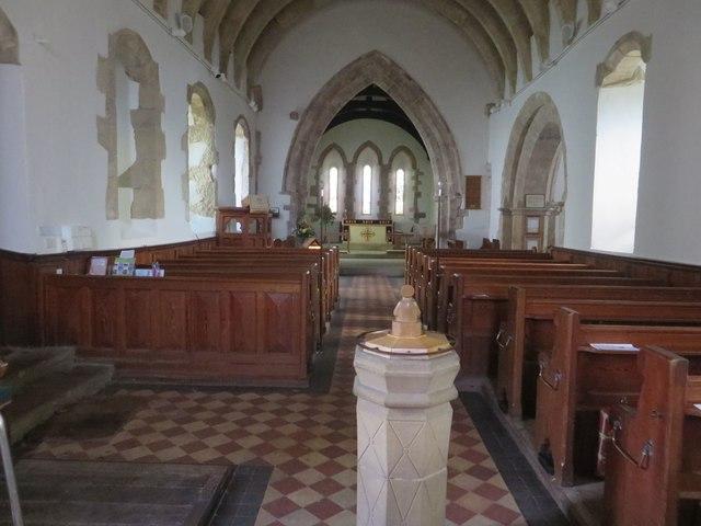 Interior of St Cuthbert's Parish Church, © Graham Robson cc-by