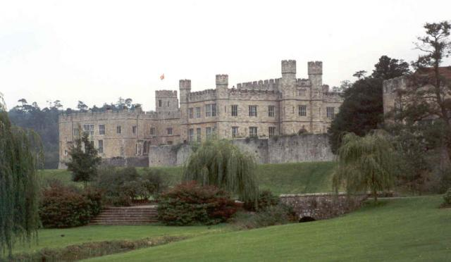 Leeds Castle Maidstone Kent  D Williams ccbysa20