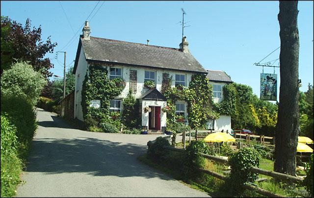 Manor Inn, Ashton © Mike Crowe cc-by-sa/2.0 :: Geograph Britain