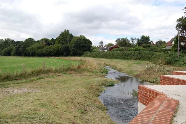 Flood defence channel Fordingbridge  Clive Perrin