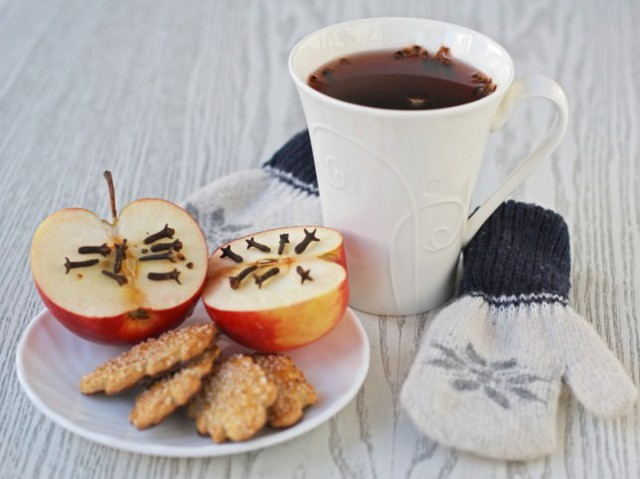 b4d2afb3191cfd09c1e9e2623f3b6bac 51967 glinwine 25f4 - TOP 6 best recipes of homemade mulled wine (photo)