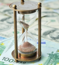 euro-relojarena.jpg - 225x250