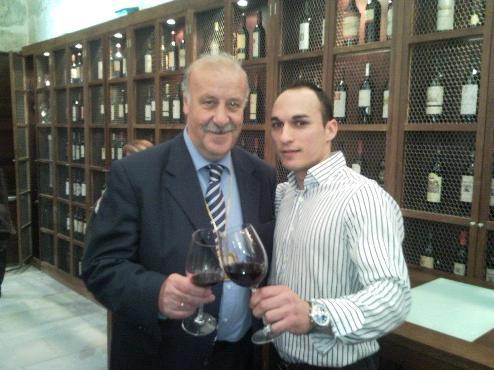 El seleccionador Vicente del Bosque, con Ernesto Aparicio, fundador de Apalaz